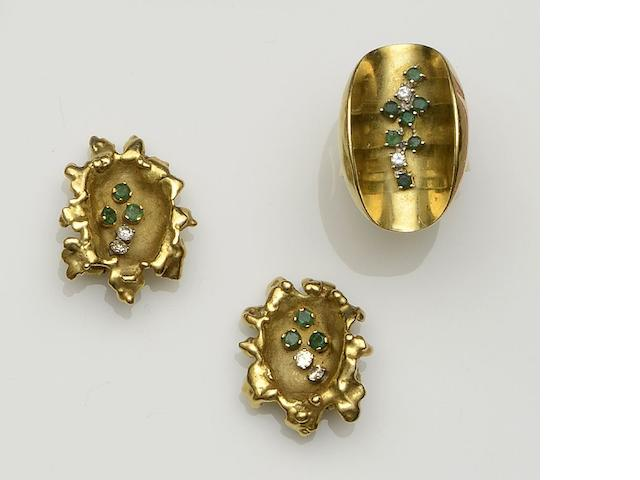 A matched emerald and diamond ring and earclips suite, circa 1970s ring size N½. (2)