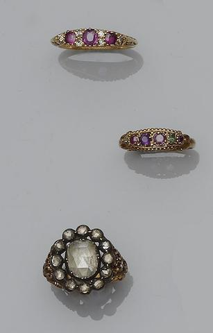 A collection of three antique gem set rings (3)