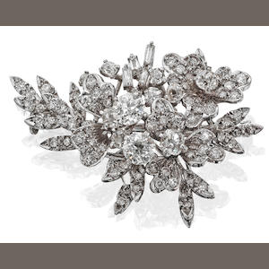 A diamond flower spray brooch
