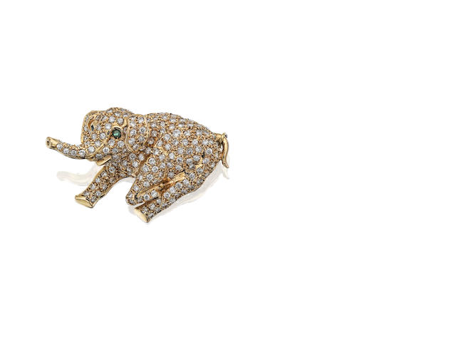 A diamond novelty elephant brooch