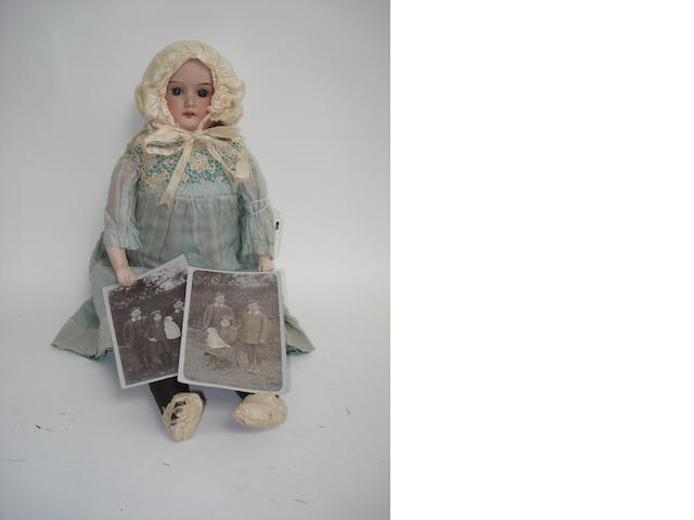 A.M 370 bisque shoulder head doll 3