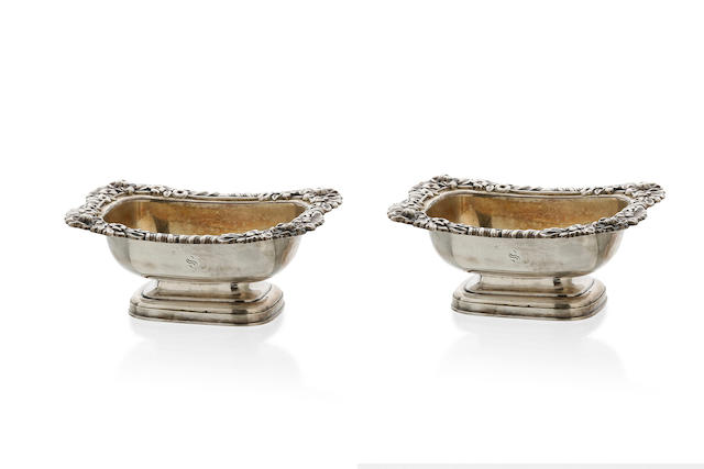 A George IV silver pair of oblong salts, Sheffield 1824  (2)