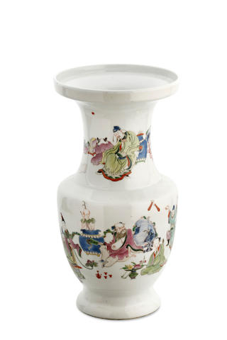 A Chinese famille rose baluster vase, 19th century