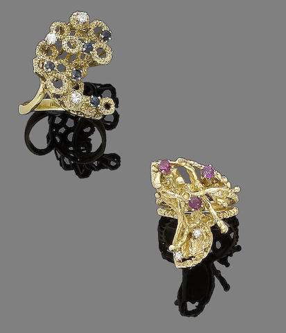 Two gem-set dress rings, (2)