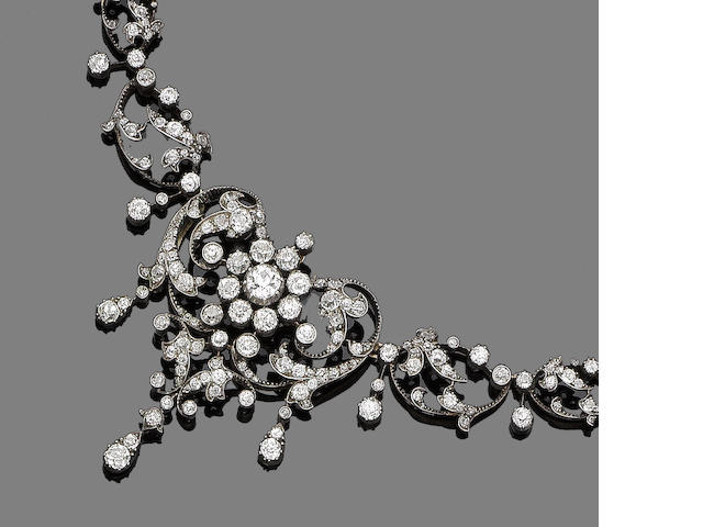 A diamond necklace/brooch/pendant,