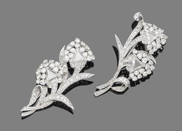 A diamond double-clip brooch/pendant
