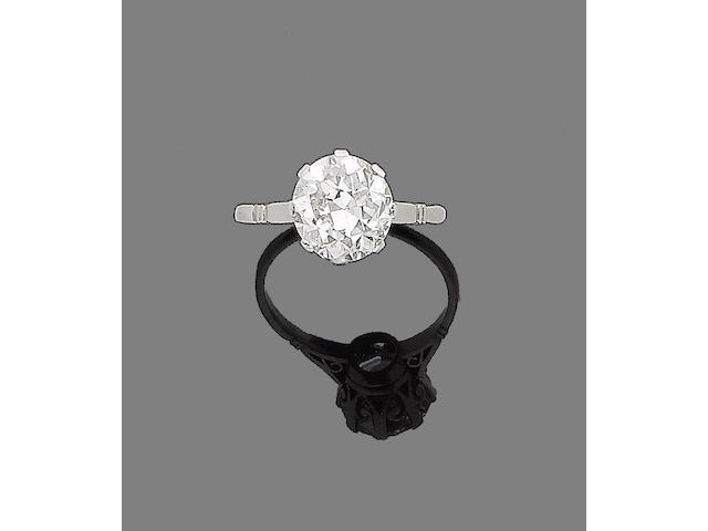 A diamond single-stone ring (2) (partially illustrated)