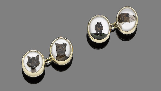 A pair of reverse intaglio cufflinks