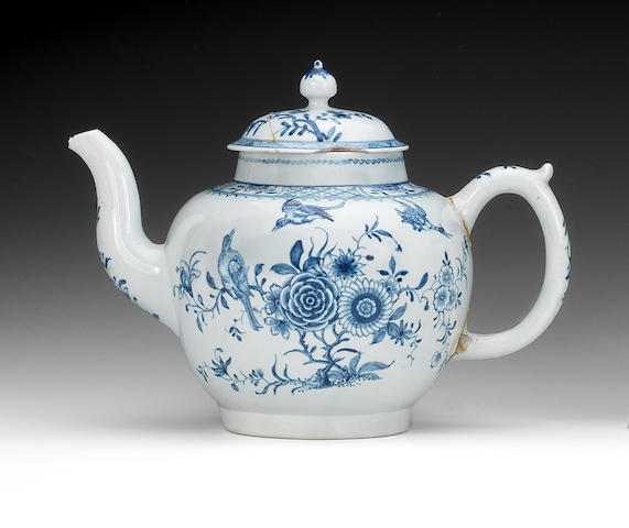 A Worcester punch pot or large teapot and a cover, circa 1755