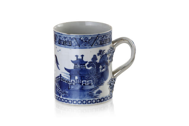 A Chinese export blue and white porcelain mug, late 18th century