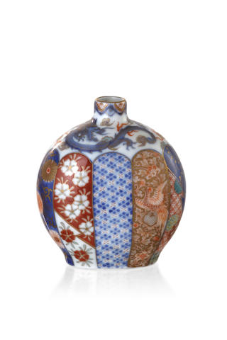 A Japanese Imari vase by Fukagawa, early 20th century