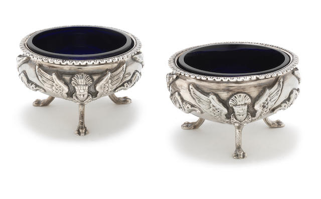 A pair of Victorian silver cauldron salts by George Unite, Birmingham 1872  (4)