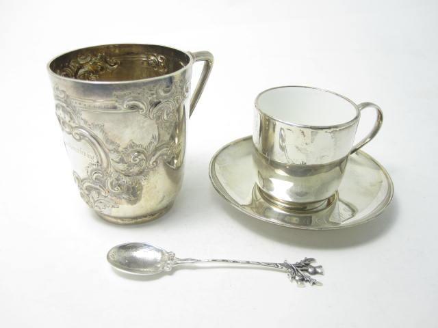 A Victorian silver christening mug by Fenton & Fenton, Sheffield 1889