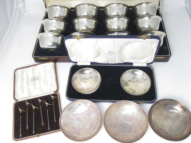 A cased set of twelve silver finger bowls by Brook & Son, Edinburgh 1934