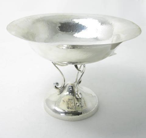 An Art Nouveau silver comport by Walker & Hall, Sheffield 1908