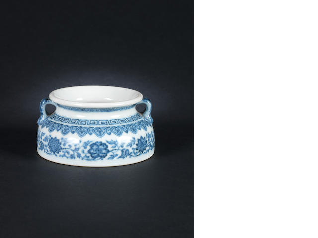 A blue and white water pot, Qianlong mark