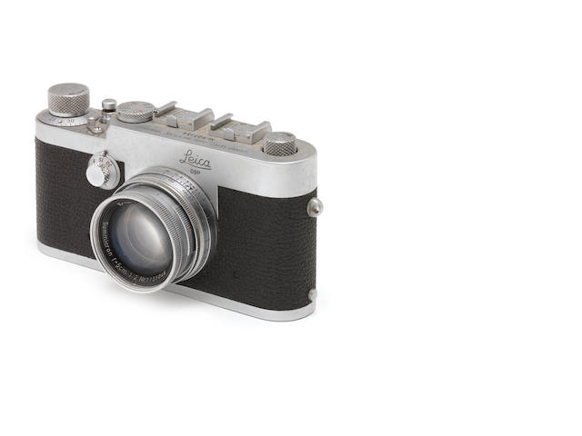 A Leica Ig No. 907134 wit 5cm f2 Summicon no. 1155046