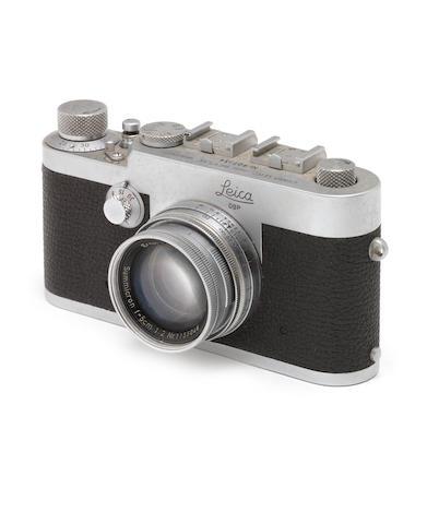 A Leica Ig,