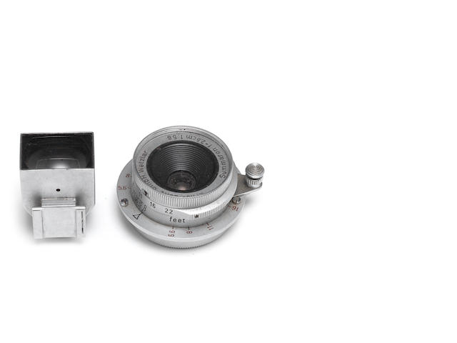 Leica - a 35mm f2.8 Summaron no. 1694892 in rare Leica screw mount with matching 35mm Leitz view finder (2)