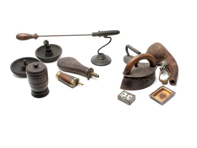 An early 19th century three way powder flask,