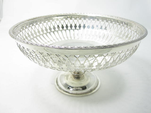 A silver comport by Walker & Hall, Sheffield 1912