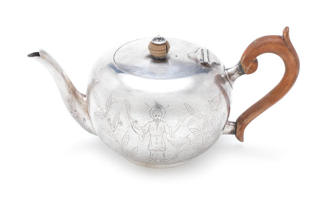 An 18th century style silver teapot Goldsmiths & Silversmiths Co. Ltd, London 1913
