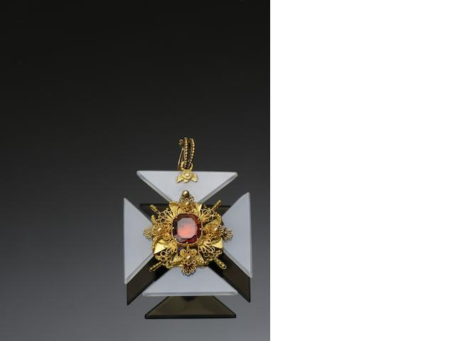 A chalcedony and garnet Maltese cross pendant/brooch necklace, circa 1820s
