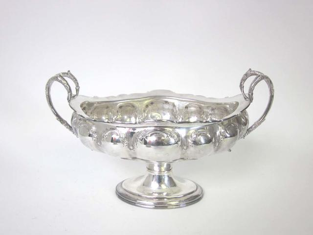 An Edwardian   silver two-handled pedestal dish by Alexander Clark Manufacturing Co, Sheffield 1905  (2)