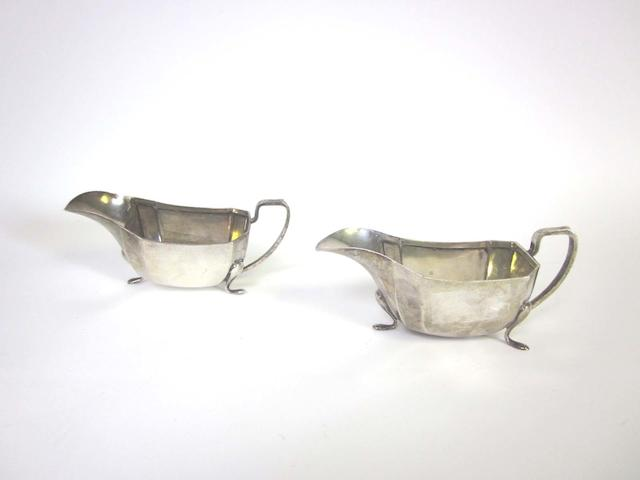 A pair of silver sauceboats by Viner's Ltd Sheffield 1949
