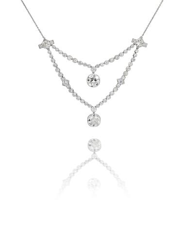 A diamond pendant/necklace,