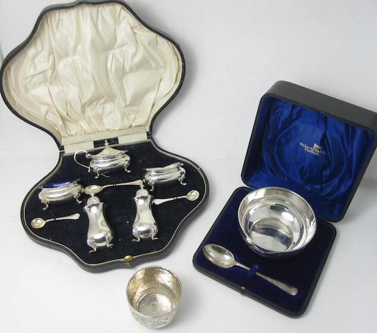 A cased silver cruet set London 1916