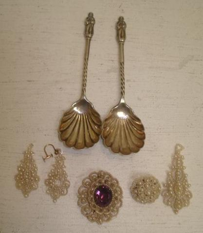 A pair of late Victorian silver 'Apostle' preserve spoons,  Jackson & Fullerton, 1896, with scallop shell bowls, a Victorian seed pearl brooch, centred by an oval amethyst, another seed pearl brooch and three ear pendants. (7)