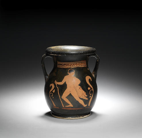 An Apulian red-figure pelike