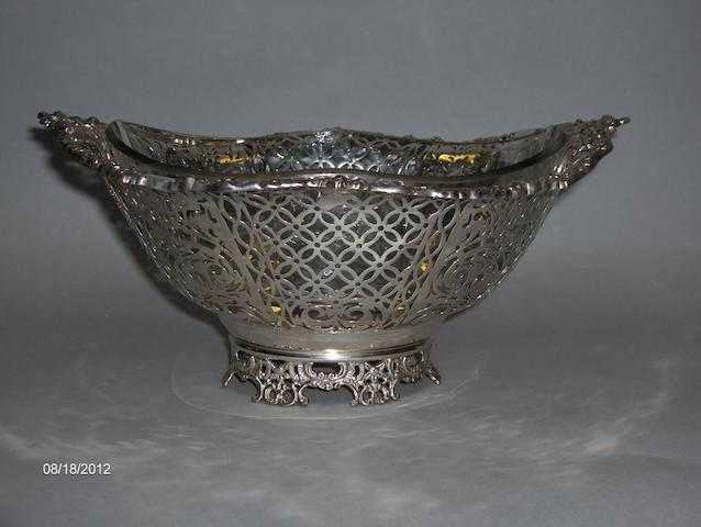 A Georgian style basket, Chester 1924,