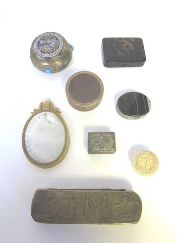 A large quantity of 19th/20th century British and Continental vertu items various dates and makers  (Qty)