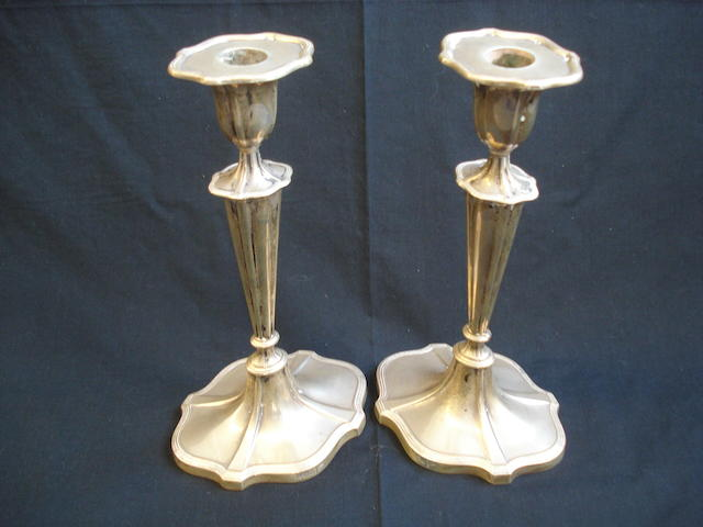 A pair of candlesticks Walker & Hall Sheffield, 1936  (2)
