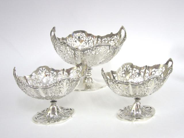 Three  silver graduating bonbon dishes  by Henry Matthews, Birmingham 1920  (7)