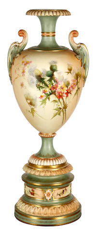 A large Royal Worcester urn, circa 1900,