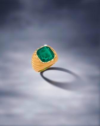 A fine emerald ring