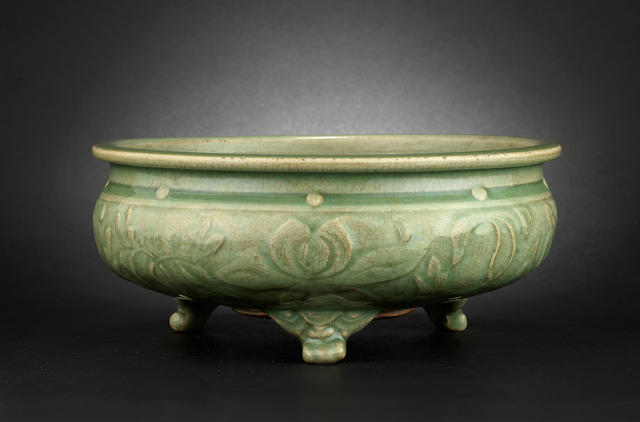 A celadon incense burner or bulb bowl Probably late Ming Dynasty