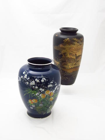 A cloisonné vase by the Ando Jubei studio and a lacquer vase Circa 1900