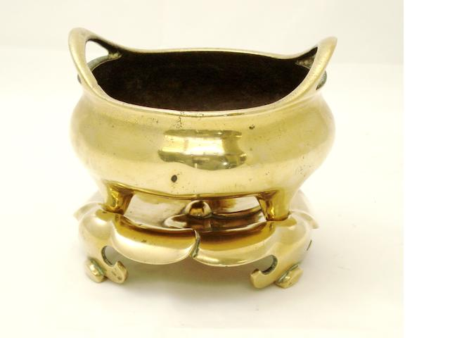 A bronze tripod censer with matching stand Late 19th/early 20th century