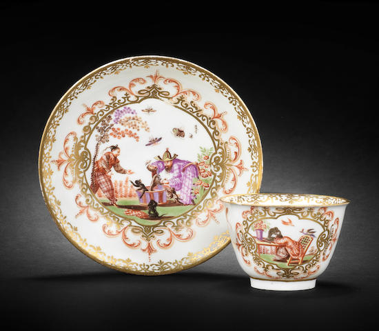 A Meissen teabowl and saucer, circa 1722