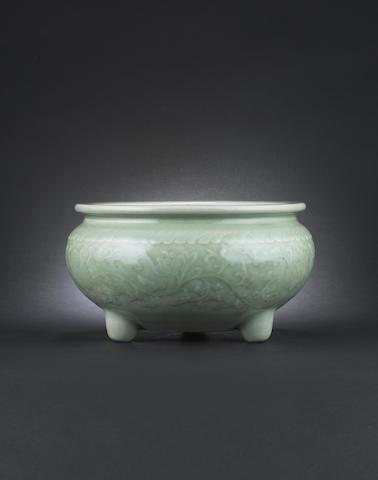 A douqing-glazed bulb bowl Qing Dynasty