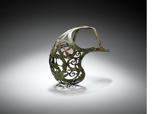 A Hellenistic bronze horse muzzle