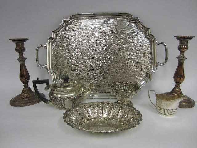 A Victorian silver tea-pot Birmingham 1900
