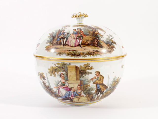 A Dresden circular tureen and cover, late 19th century