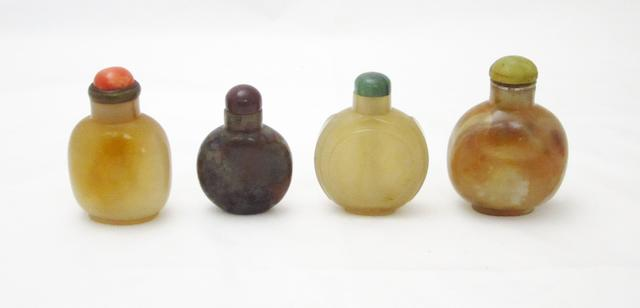 Four agate snuff bottles 19th century