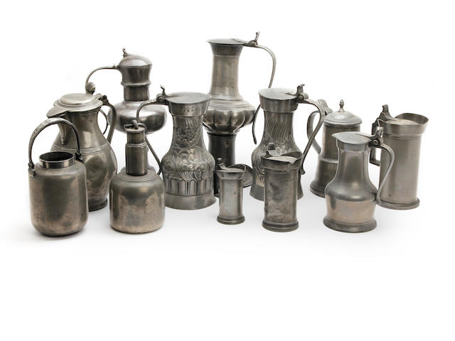 A miscallaneous group of pewter flagons