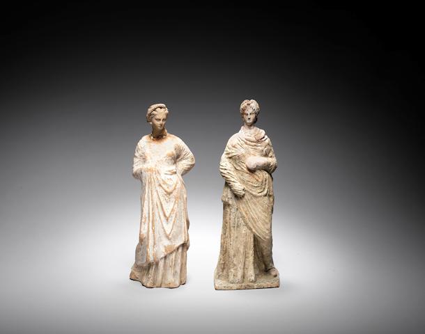 Two Greek terracotta female figures  2